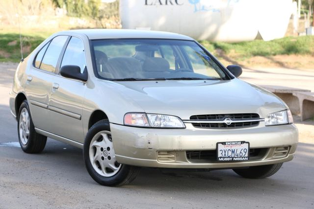 1998 Nissan Altima GXE Santa Clarita, CA 3