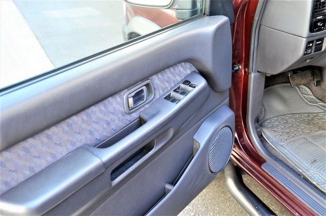 1998 Nissan Pathfinder XE in Reseda, CA, CA 91335