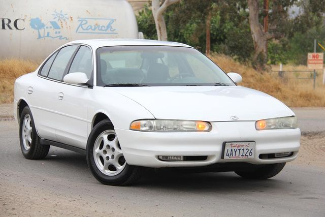 1998 Oldsmobile Intrigue GL Santa Clarita, CA 3