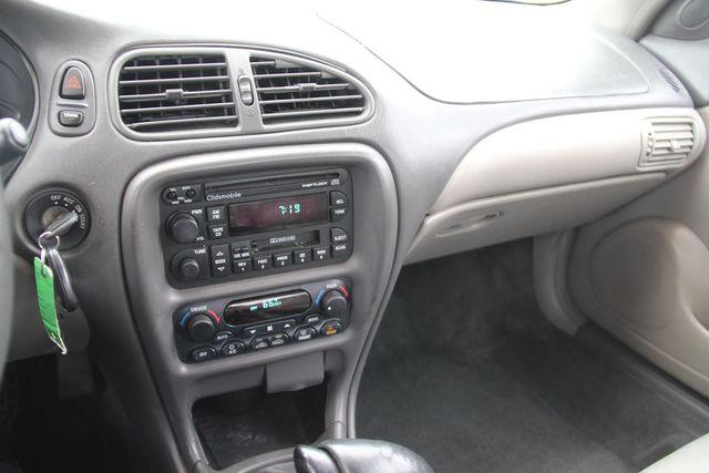 1998 Oldsmobile Intrigue GL Santa Clarita, CA 18