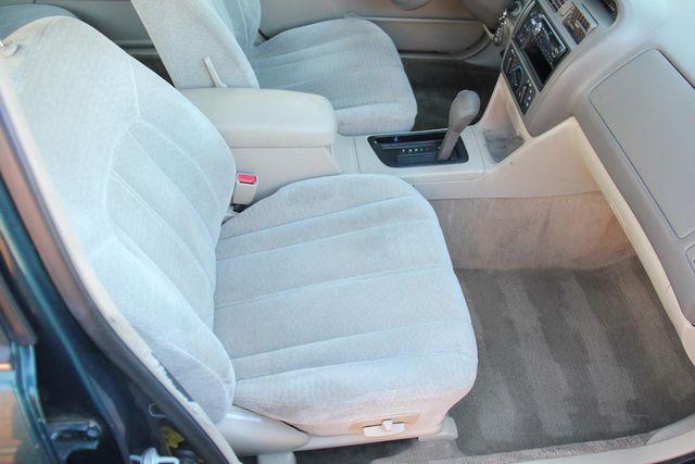 1998 Toyota Avalon XL Santa Clarita, CA 16
