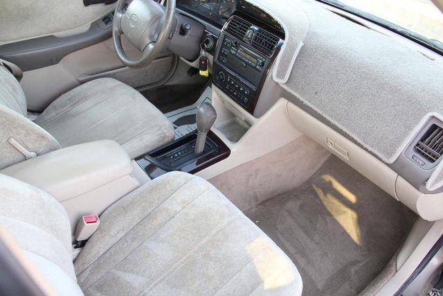 1998 Toyota Avalon XLS Santa Clarita, CA 9