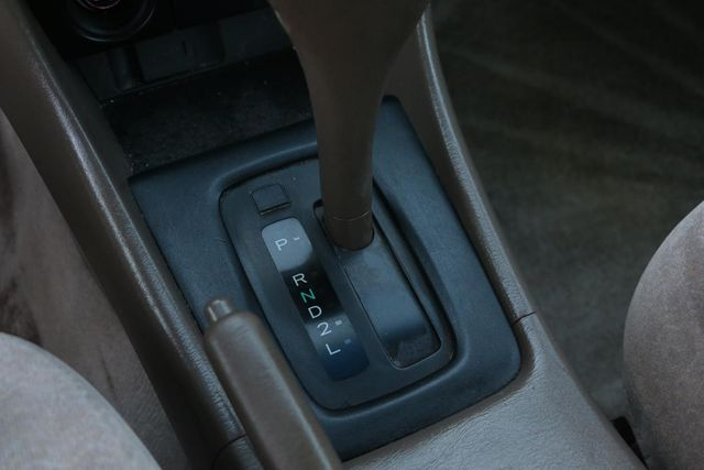1998 Toyota Camry LE Santa Clarita, CA 23