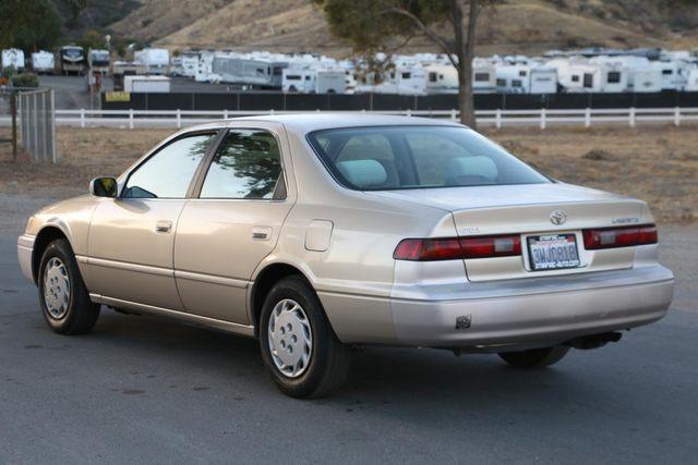 1998 Toyota Camry LE Santa Clarita, CA 5