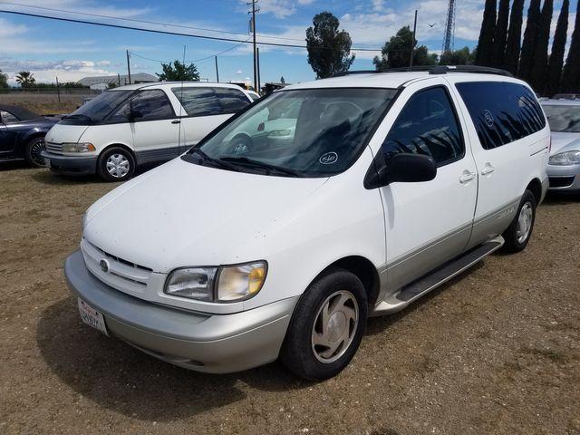 1998 Toyota Sienna LE
