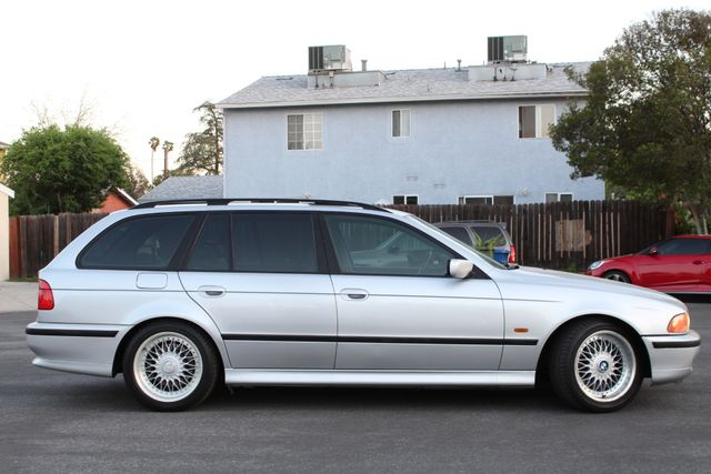 1999 BMW 528iAt AUTOMATIC 122K MLS SERVICE RECORDS in Van Nuys, CA 91406