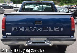 "1999 Chevrolet C/K 2500 HD Reg Cab 131.5"" WB C6P Waterbury, Connecticut 3"
