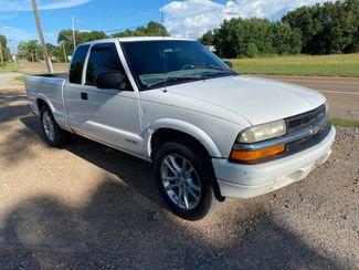 1999 Chevrolet S-10 LS Flowood, Mississippi 1