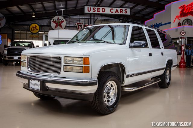 1999 Chevrolet Suburban 2500 in Addison Texas, 75001