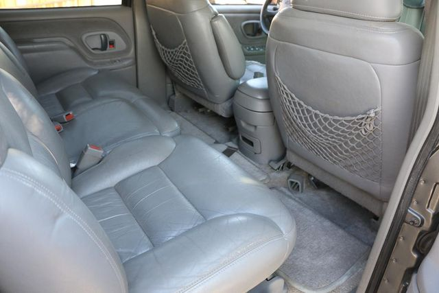 1999 Chevrolet Suburban LT Santa Clarita, CA 17