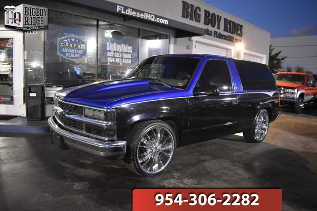 1999 Chevrolet Tahoe CUSTOM 2 DOOR
