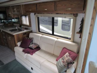 1999 Country Coach Intrigue 36'/ Slide Bend, Oregon 9