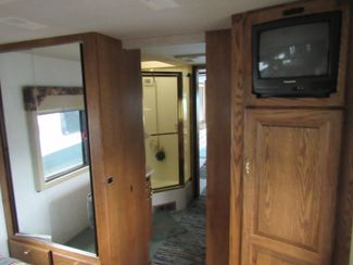 1999 Country Coach Intrigue 36'/ Slide Bend, Oregon 21