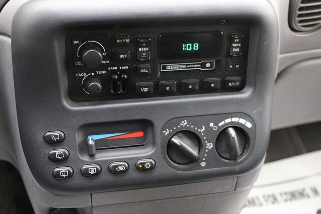 1999 Dodge Caravan Base Santa Clarita, CA 19