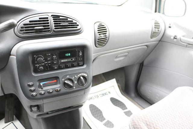 1999 Dodge Caravan Base Santa Clarita, CA 18