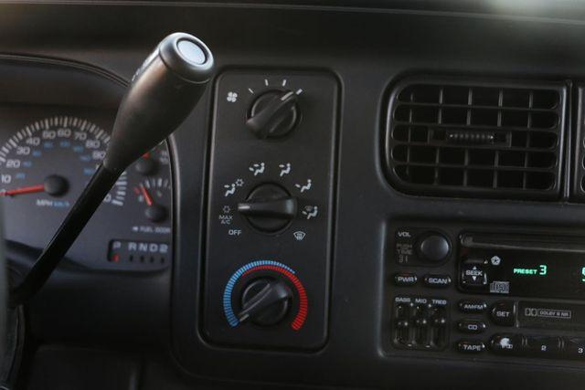 1999 Dodge Durango 4x4 3RD ROW Santa Clarita, CA 27