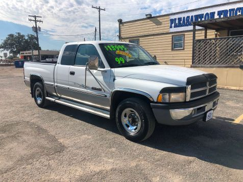 1999 Dodge Ram 2500  | Pleasanton, TX | Pleasanton Truck Company in Pleasanton, TX