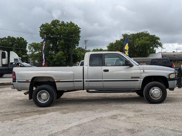 1999 Dodge Ram 3500 in Pleasanton, TX 78064