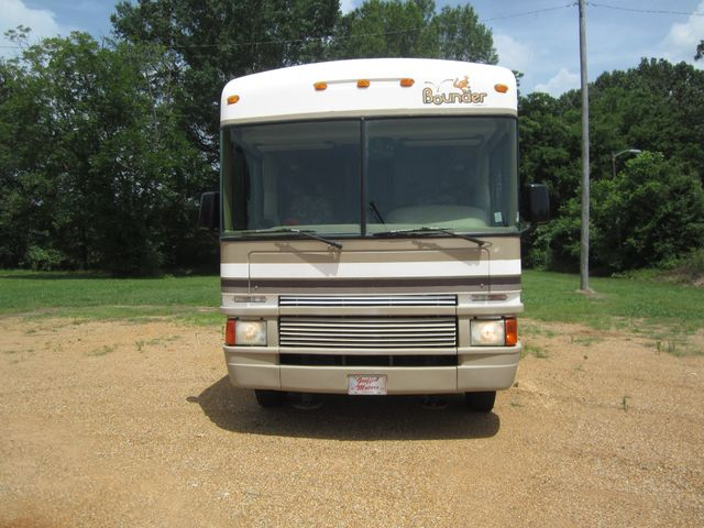 1999 Ford Bounder  Motorhome 34' Houston, Mississippi 1