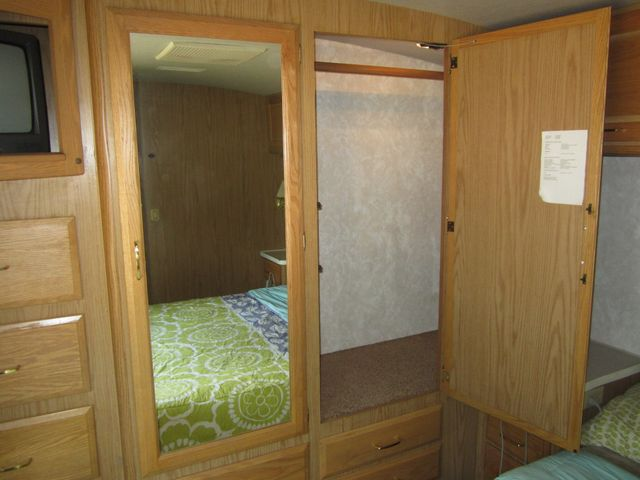 1999 Ford Bounder  Motorhome 34' Houston, Mississippi 22