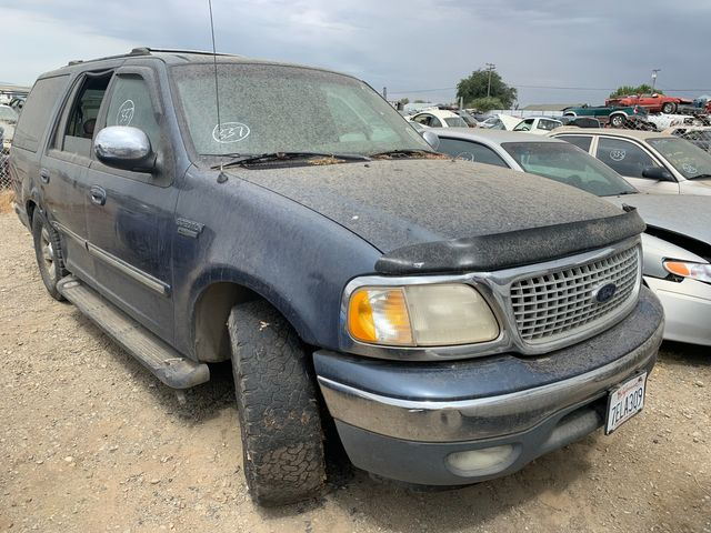 1999 Ford Expedition XLT in Orland, CA 95963