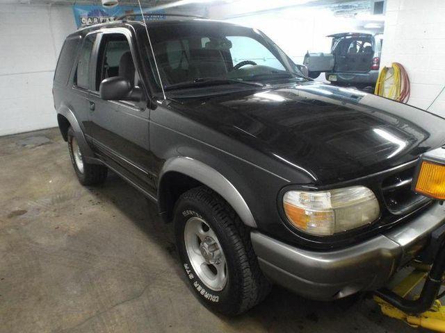 1999 Ford Explorer Sport in Medina OHIO, 44256
