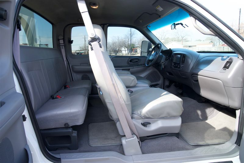1999 Ford F-150 Lariat- SUPER CLEAN in Rowlett, Texas