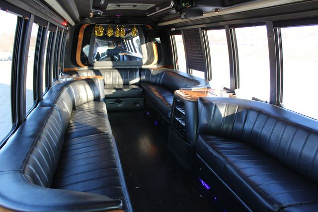 1999 Ford Super Duty F-550 Limo XLT in Roscoe, IL 61073