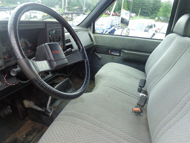 1999 GMC 7500 Hoosick Falls, New York 4