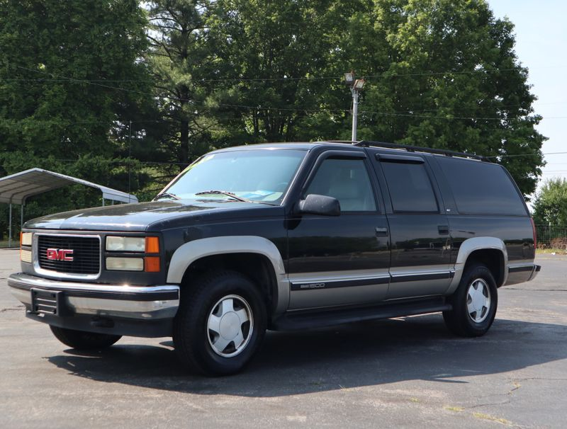 1999 GMC Suburban   in Maryville, TN