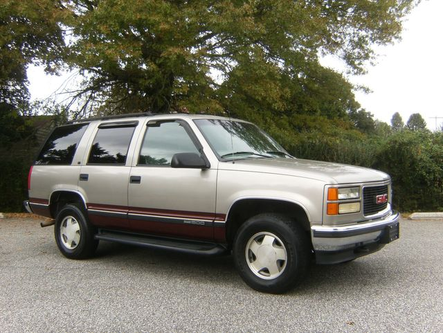 1999 GMC Yukon SLE 4WD in West Chester, PA 19382