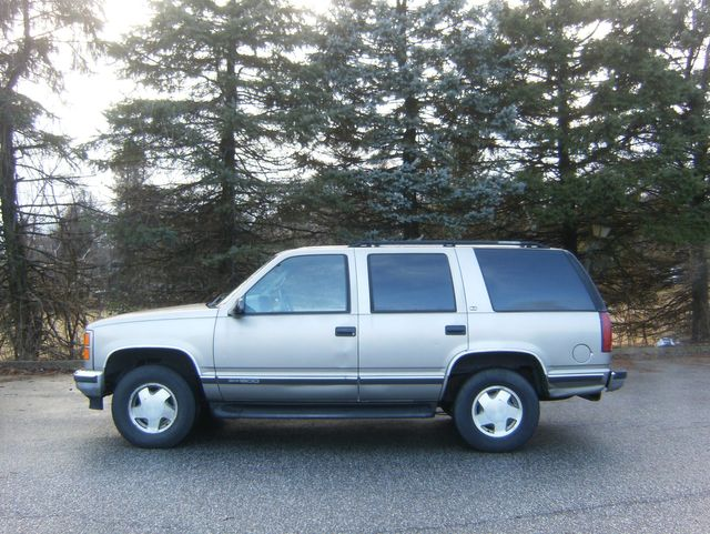 1999 GMC Yukon 4WD in West Chester, PA 19382