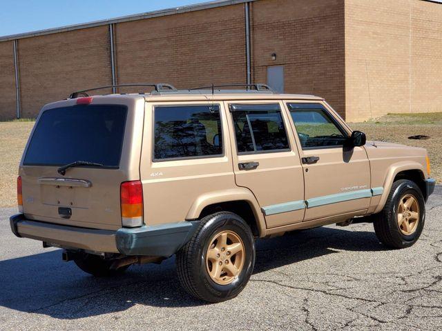 1999 Jeep Cherokee Sport in Hope Mills, NC 28348