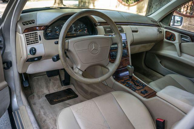 1999 Mercedes-Benz E300 Reseda, CA 14