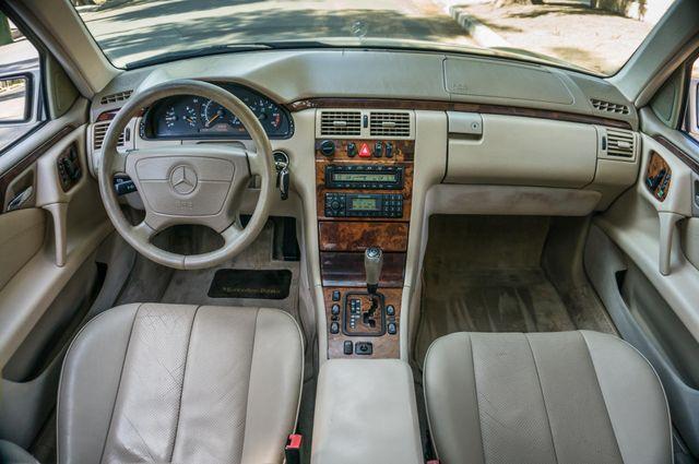 1999 Mercedes-Benz E300 Reseda, CA 17