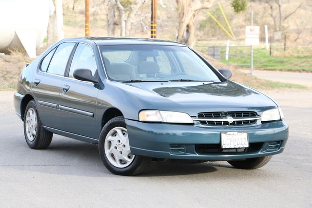 1999 Nissan Altima GXE Santa Clarita, CA 3