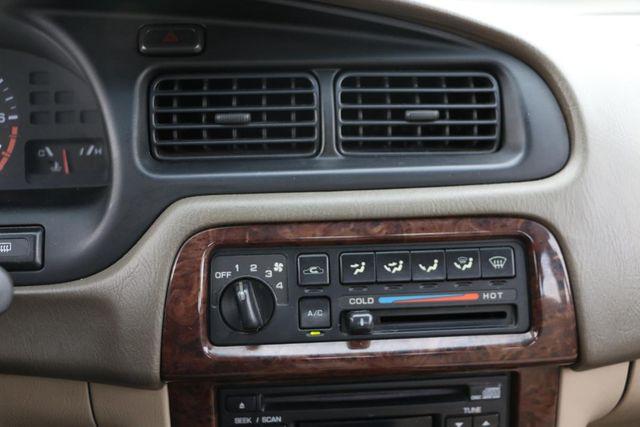 1999 Nissan Altima GXE Santa Clarita, CA 19