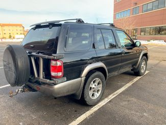 1999 Nissan Pathfinder XE Maple Grove, Minnesota 3