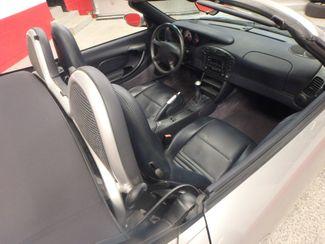 1999 Porsche Boxster 5-speed manual convertible, tight! Saint Louis Park, MN 5
