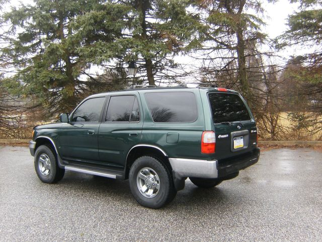 1999 Toyota 4Runner SR5 4WD in West Chester, PA 19382