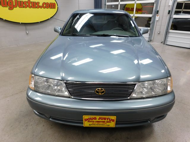 1999 Toyota Avalon XL in Airport Motor Mile ( Metro Knoxville ), TN 37777