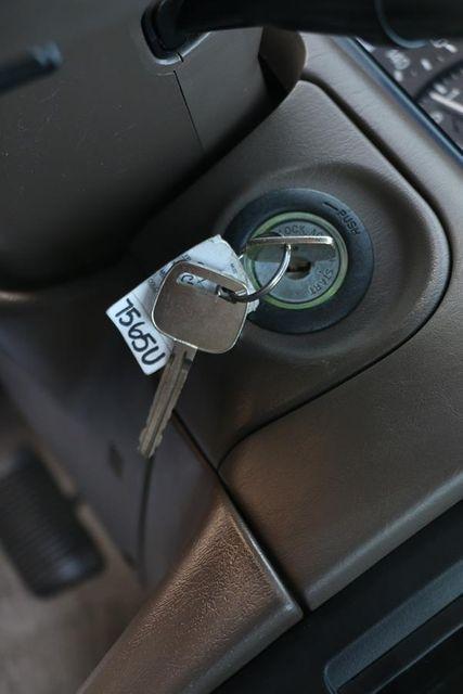 1999 Toyota Camry LE Santa Clarita, CA 22
