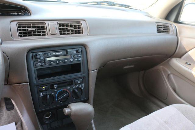 1999 Toyota Camry LE Santa Clarita, CA 17