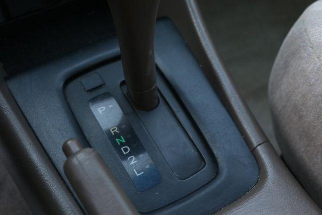 1999 Toyota Camry LE Santa Clarita, CA 23
