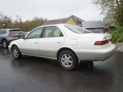 1999 Toyota Camry LE | Whitman, MA | Martin's Pre-Owned Auto Center in Whitman, MA