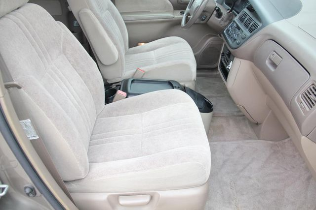 1999 Toyota Sienna CE Santa Clarita, CA 14