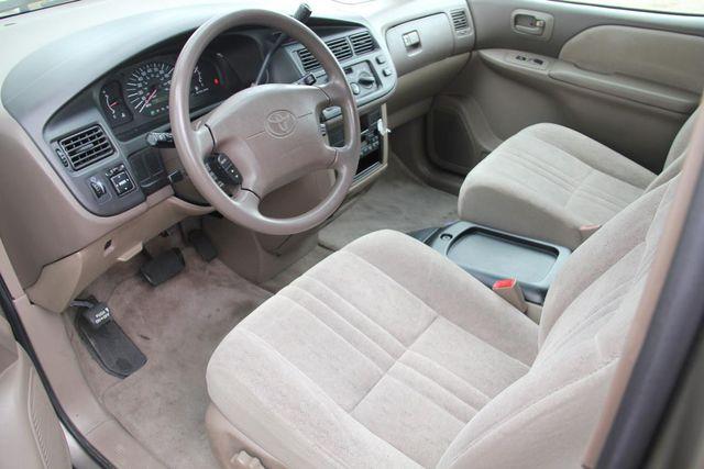 1999 Toyota Sienna CE Santa Clarita, CA 8