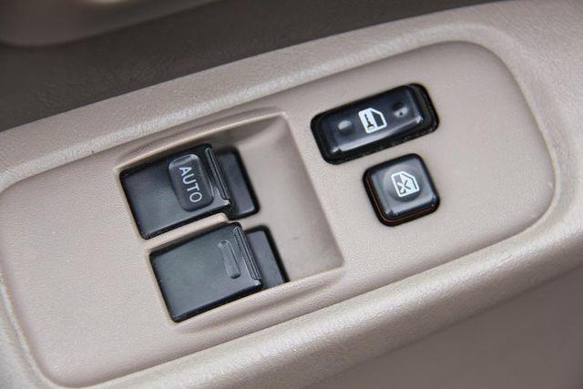 1999 Toyota Sienna CE Santa Clarita, CA 26