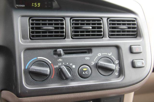 1999 Toyota Sienna CE Santa Clarita, CA 20