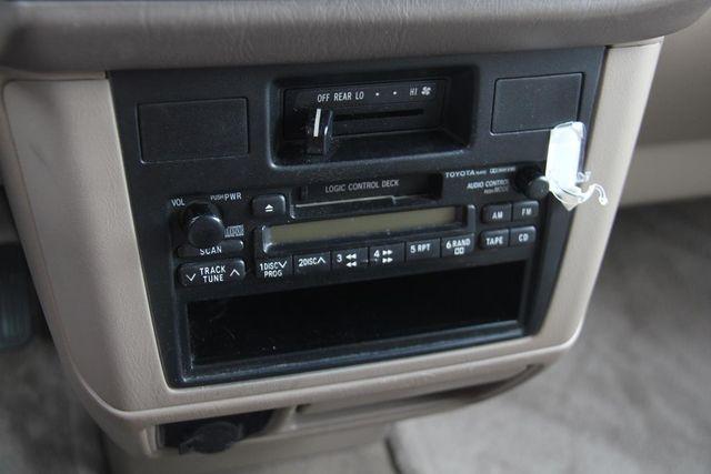 1999 Toyota Sienna CE Santa Clarita, CA 22